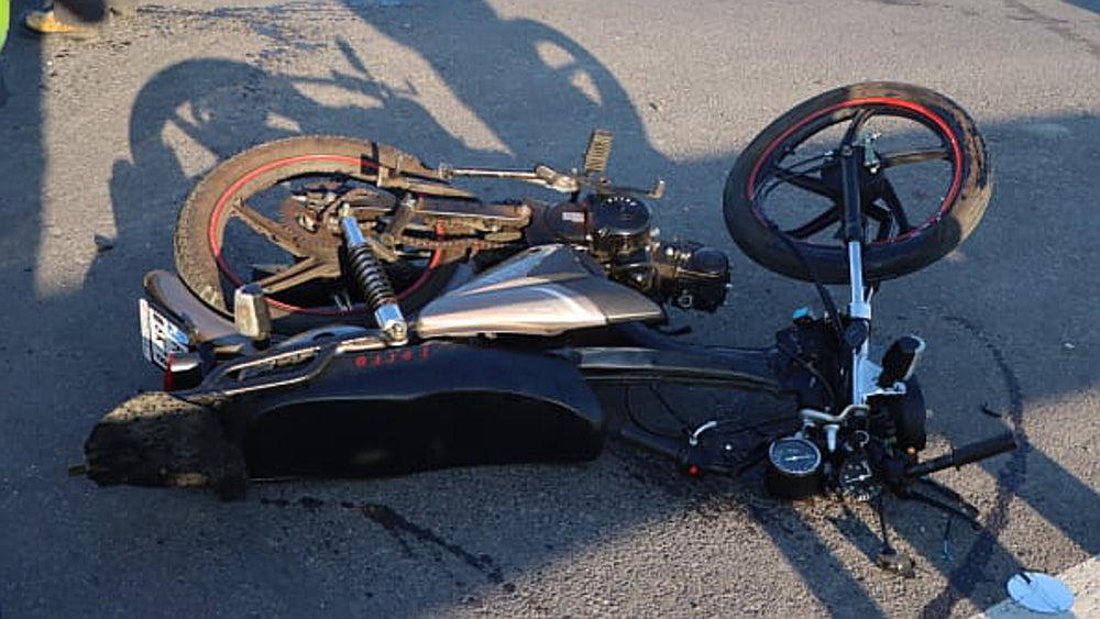 Wypadek w Gołaszynie. Motorowerzysta w szpitalu - Zdjęcie główne