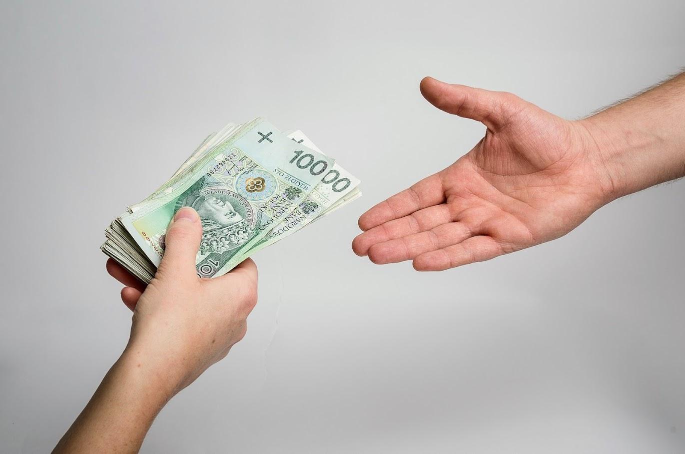 Rawiczanin oszukany metodą na pracownika banku - Zdjęcie główne
