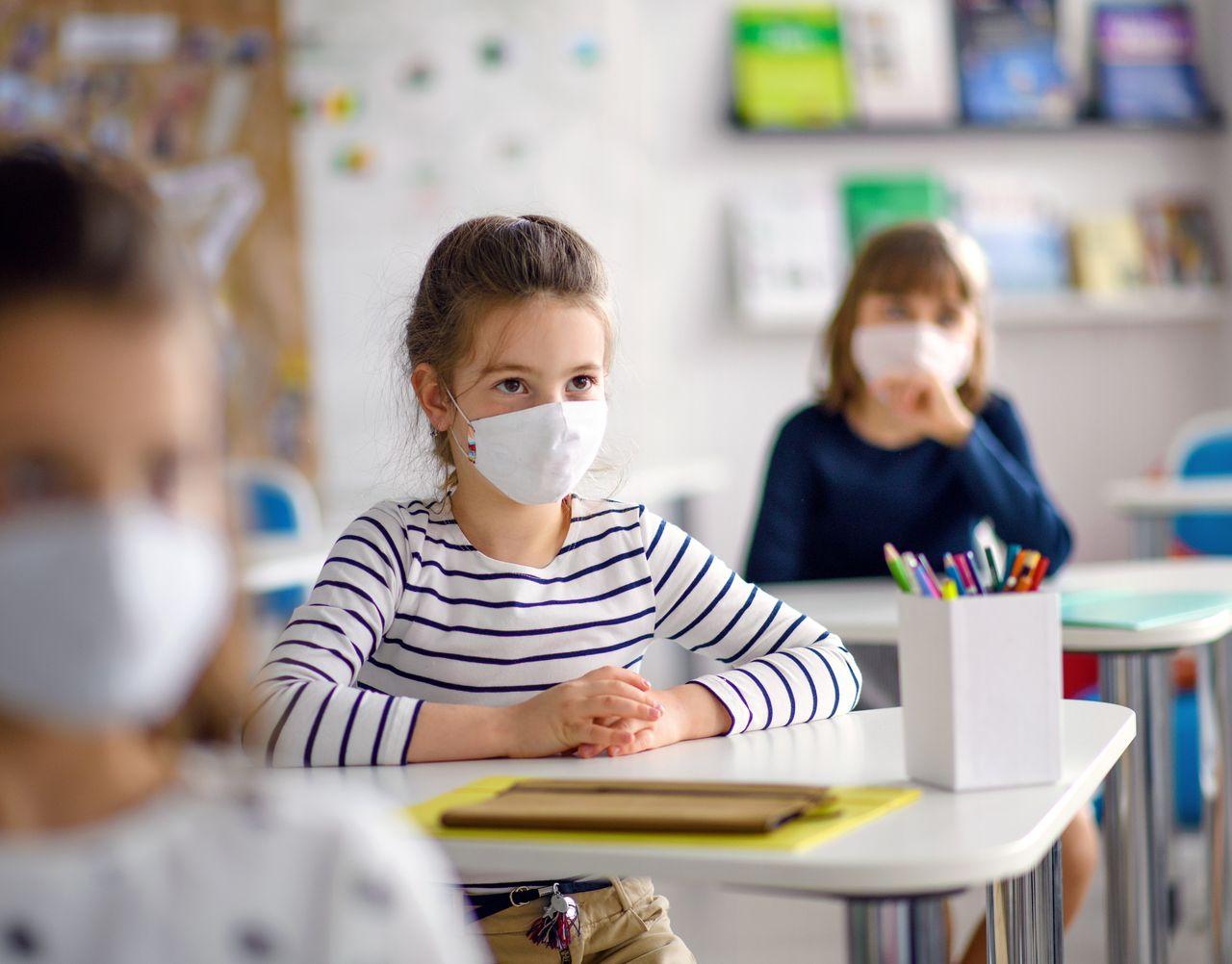 Jest decyzja w sprawie szczepień najmłodszych na koronawirusa. Będą szczepić dzieci w wieku 12 -15 lat - Zdjęcie główne