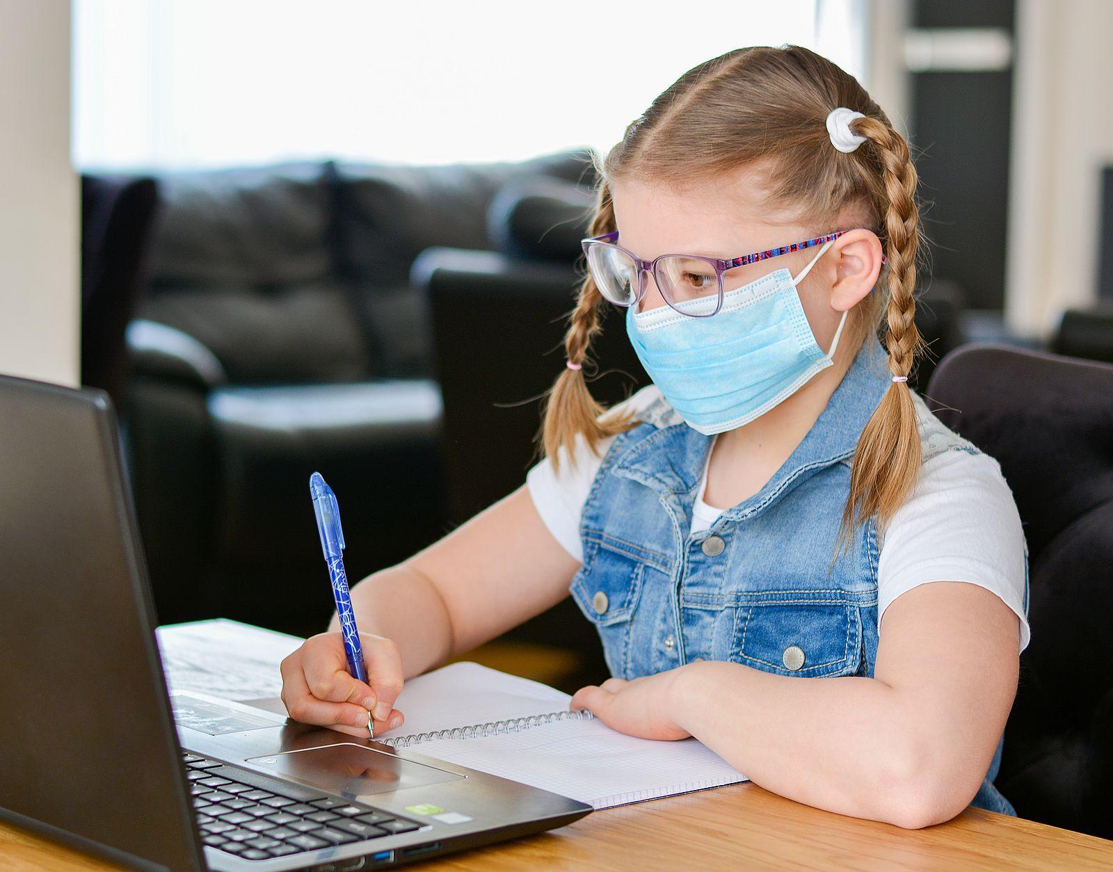 Czy w Pleszewie dzieci wrócą do szkół? Czy będzie nauka hybrydowa od 1 września? - Zdjęcie główne
