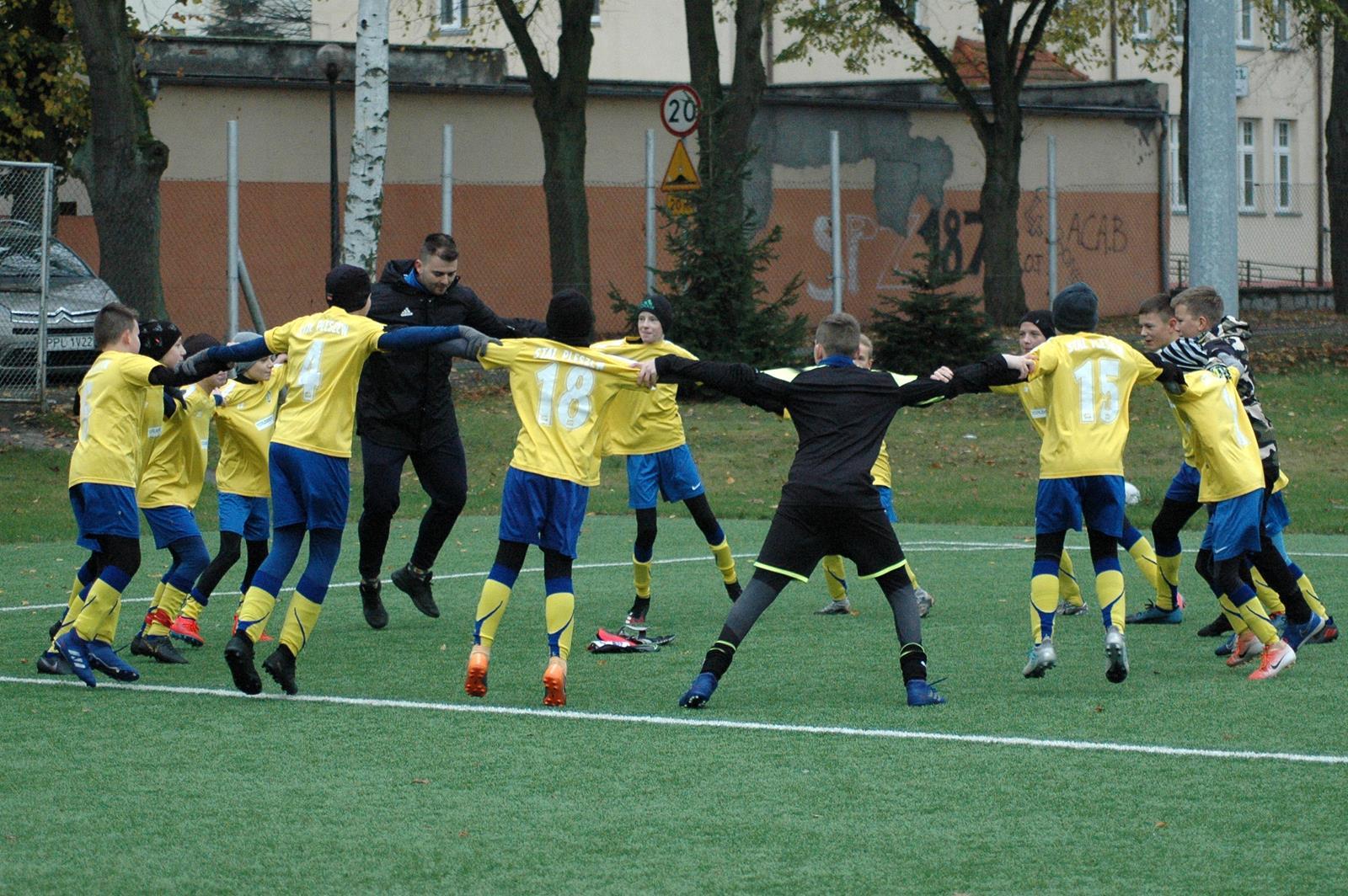 Piłka nożna. Wojewódzka liga młodzików. Stal wygrała w Koninie - Zdjęcie główne