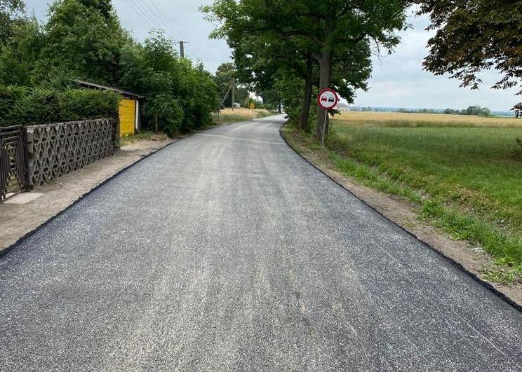 Gmina Dobrzyca. W Karmińcu jest już nowy asfalt - Zdjęcie główne