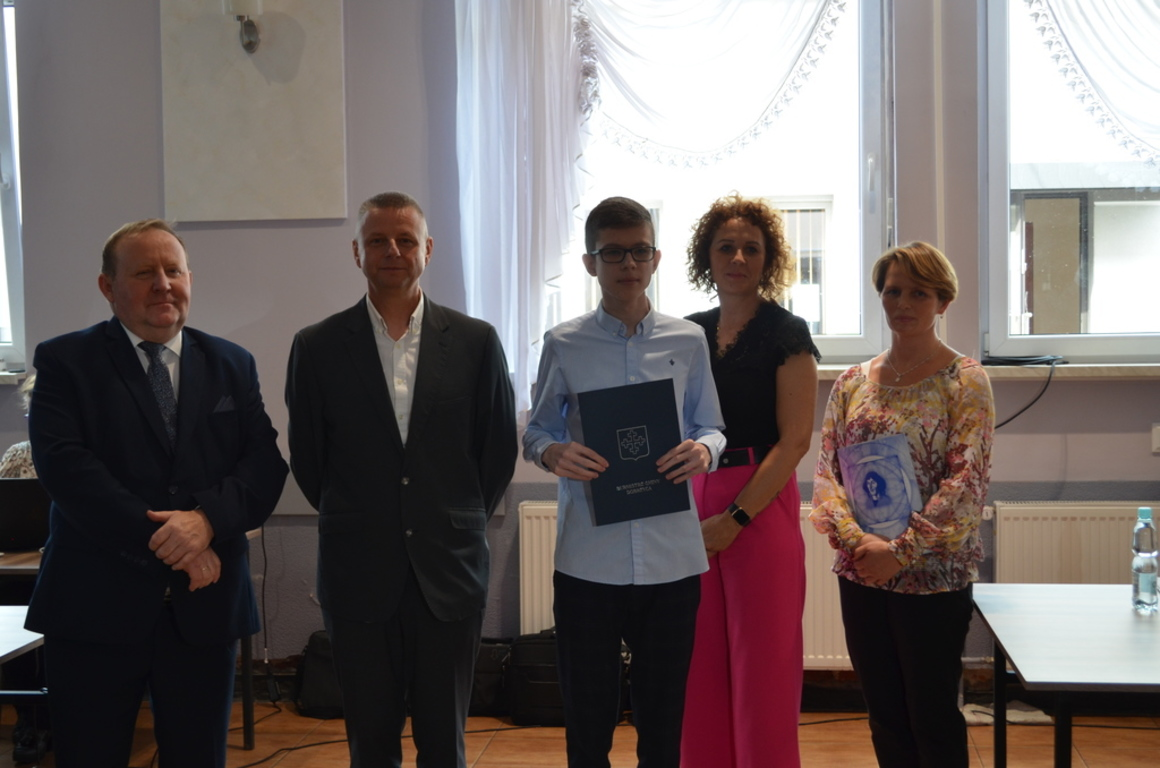 Oto wybitni uczniowie z gminy Dobrzyca! [ZDJĘCIA] - Zdjęcie główne