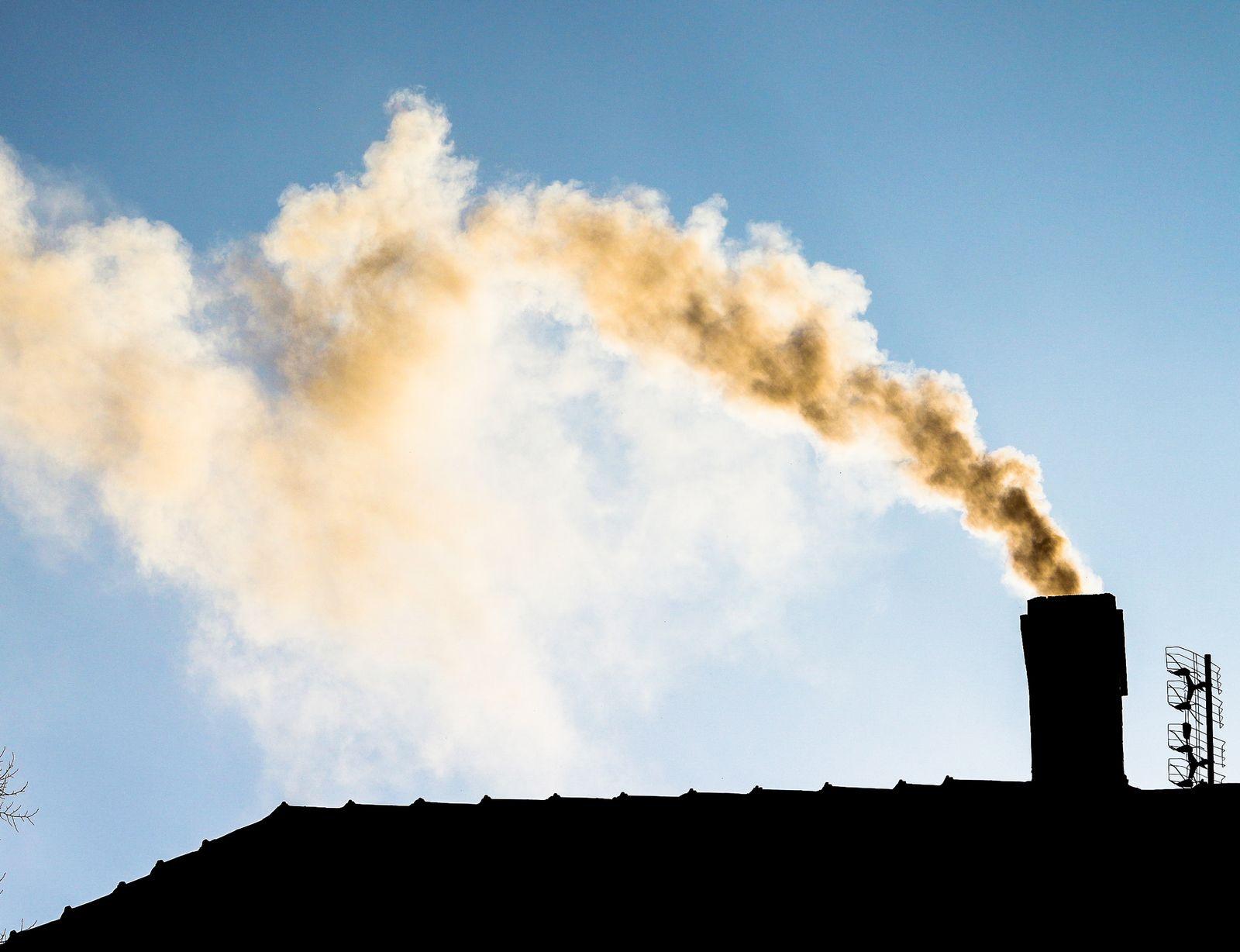 """Chcesz wziąć dotację z programu """"Czyste Powietrze""""? W Pleszewie złożono już setki wniosków - Zdjęcie główne"""