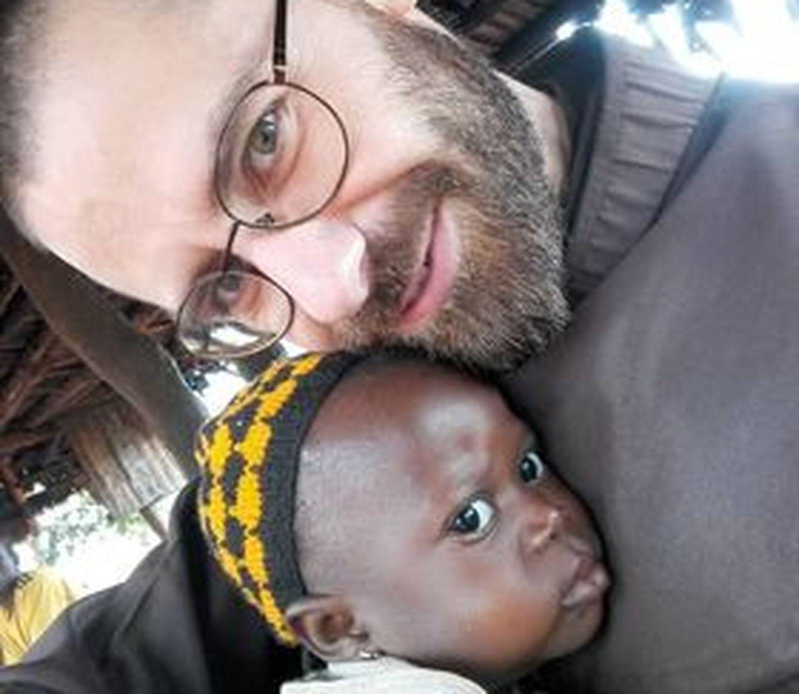 """Poruszające świadectwo ojca Hieronima Łusiaka. """"Nie potrafiłem pohamować łez"""" Siostrzeniec ojca Medarda z Chocza posługuje w Republice Środkowoafrykańskiej - Zdjęcie główne"""