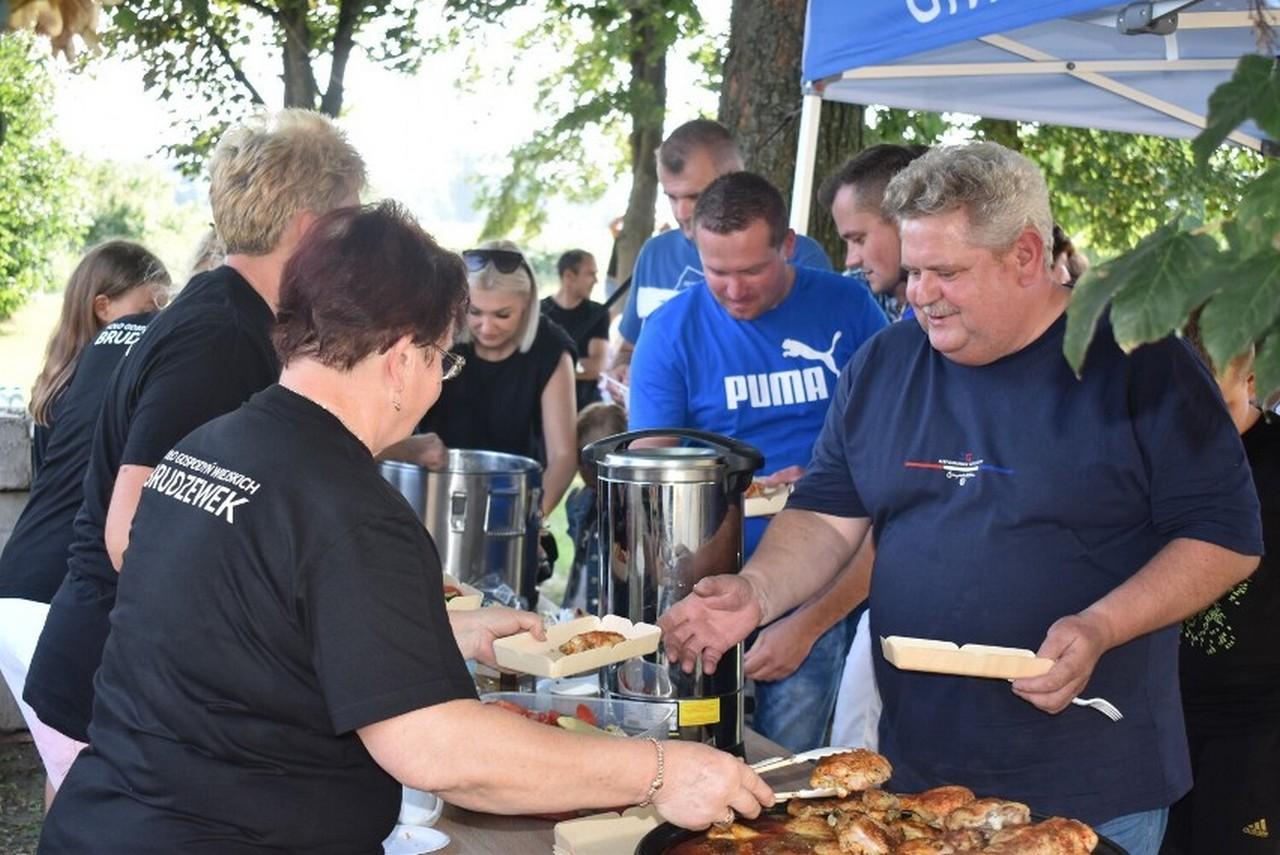 Festyn rodzinny w Brudzewku [ZDJĘCIA]  - Zdjęcie główne