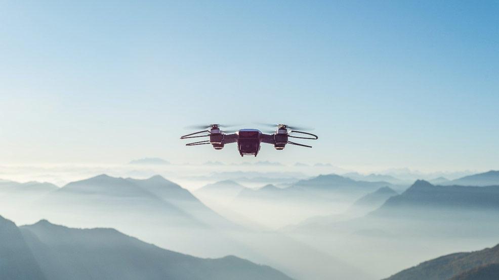 DJI Mini 2 – najlepszy dron na początek - Zdjęcie główne