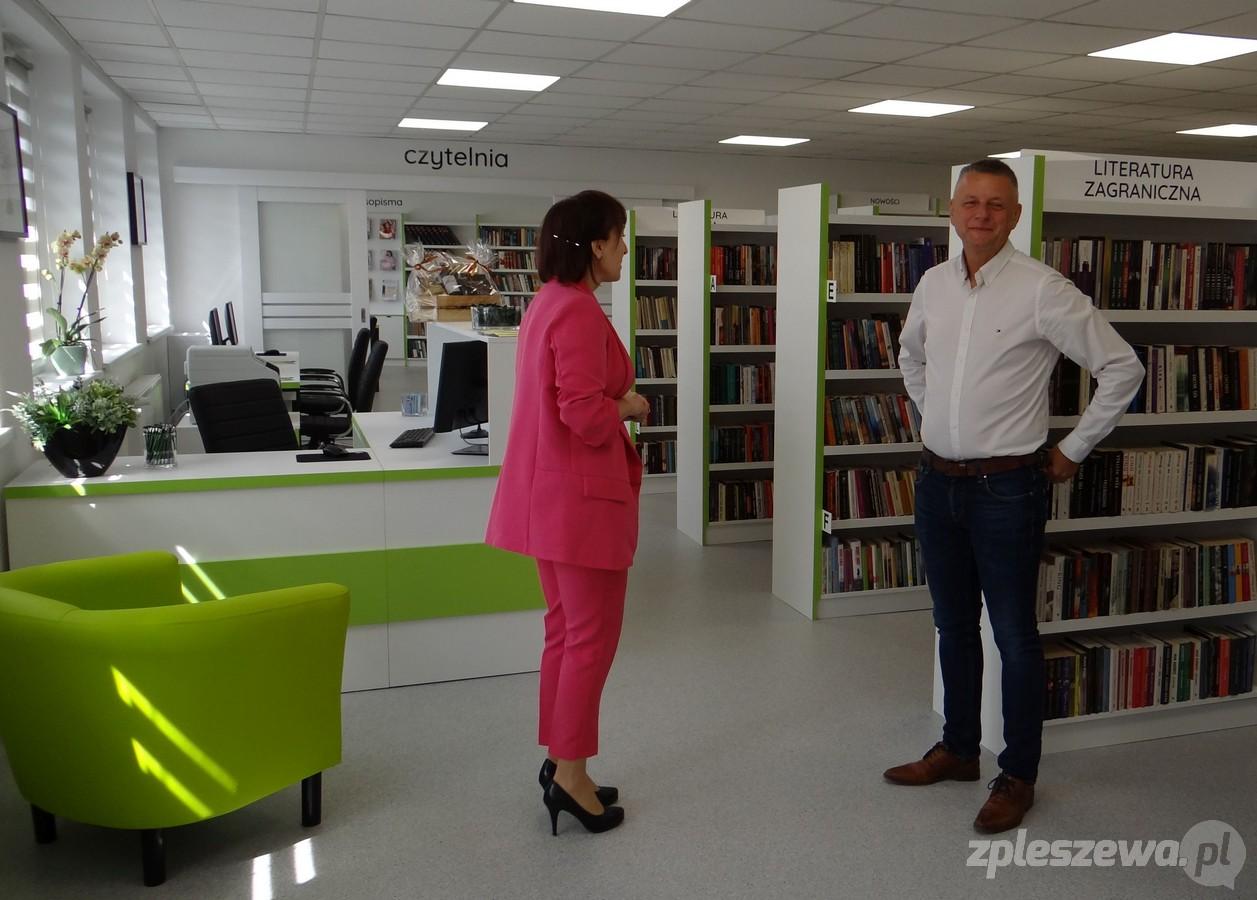 Biblioteka w Dobrzycy została oficjalnie otwarta po remoncie [ZDJĘCIA] - Zdjęcie główne