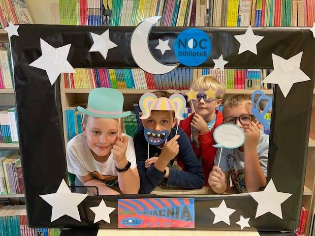 Noc Bibliotek 2021 w Pleszewie i Gołuchowie. Organizatorzy zapewnili moc niespodzianek! [ZDJĘCIA] - Zdjęcie główne