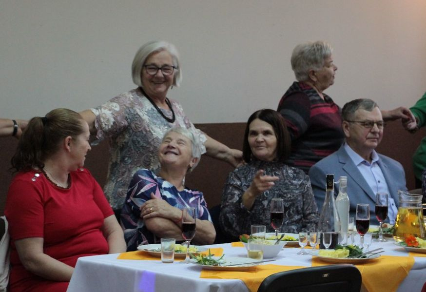 Wyjątkowy Dzień Seniora. Tak bawili się mieszkańcy Lenartowic! [ZDJĘCIA] - Zdjęcie główne