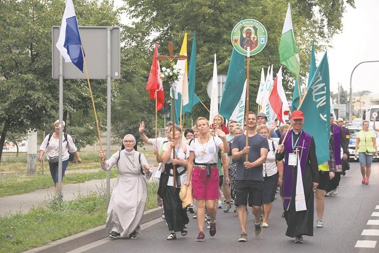 Są obostrzenia, ale pielgrzymi wyruszą na Jasną Górę - Zdjęcie główne