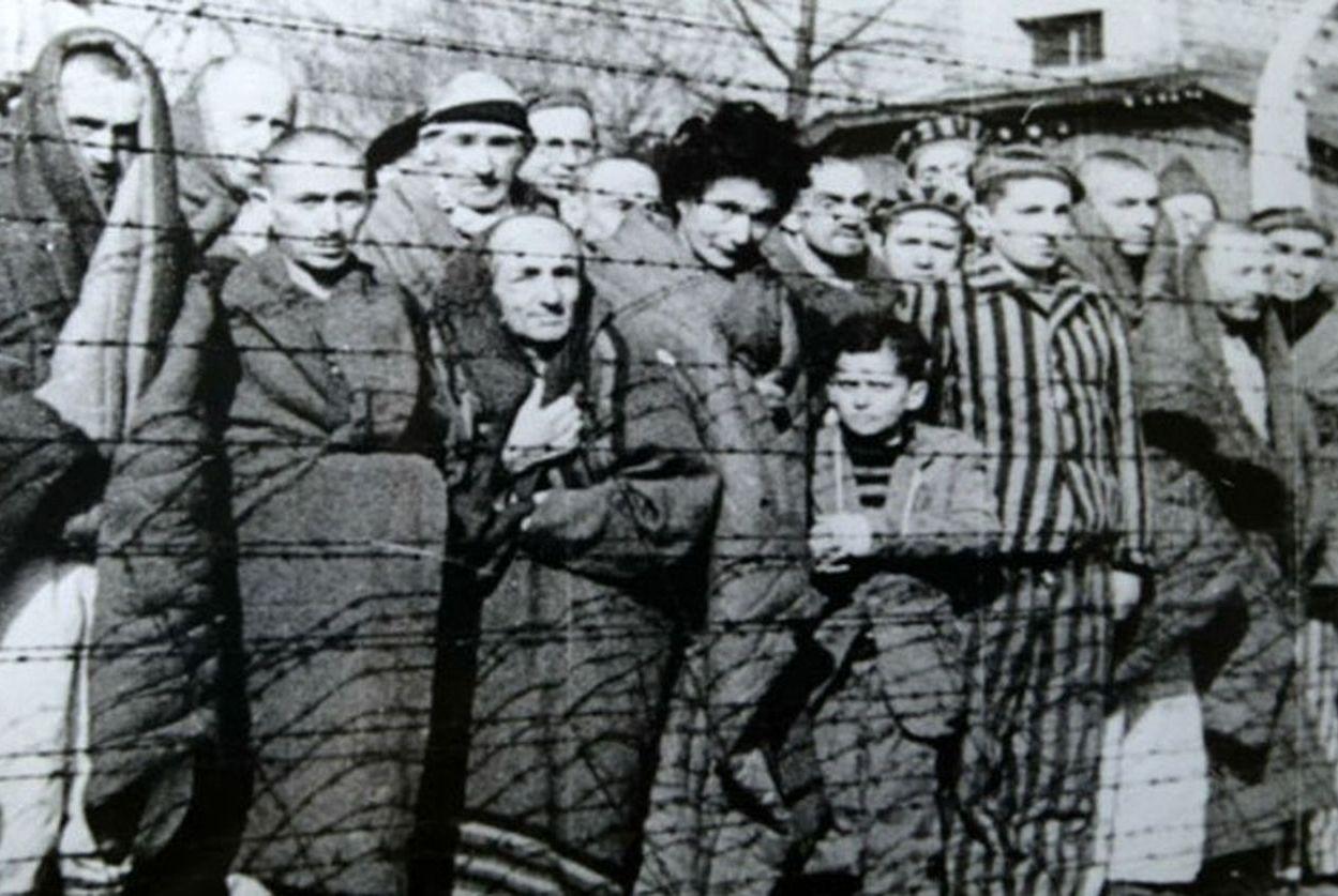Międzynarodowy Dzień Pamięci o Ofiarach Holokaustu. Niemcy dokonywali zbrodni także na terenie powiatu pleszewskiego - Zdjęcie główne