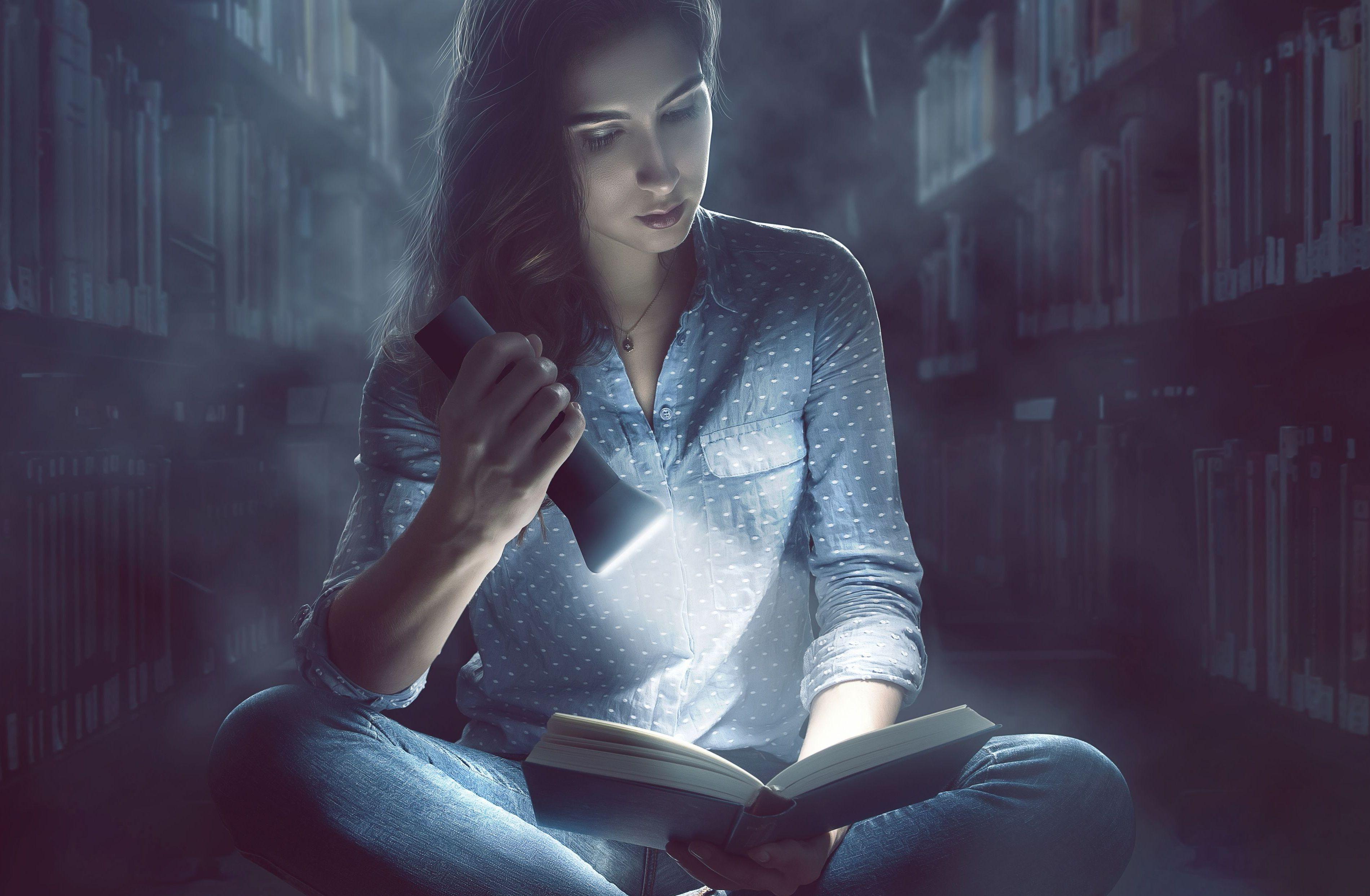 Pleszew. Odważysz się spędzić noc w bibliotece? - Zdjęcie główne