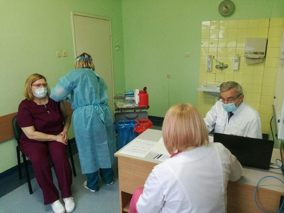 W Pleszewie ruszyły szczepienia trzecią dawką. Ile osób skorzystało z tej możliwości? - Zdjęcie główne