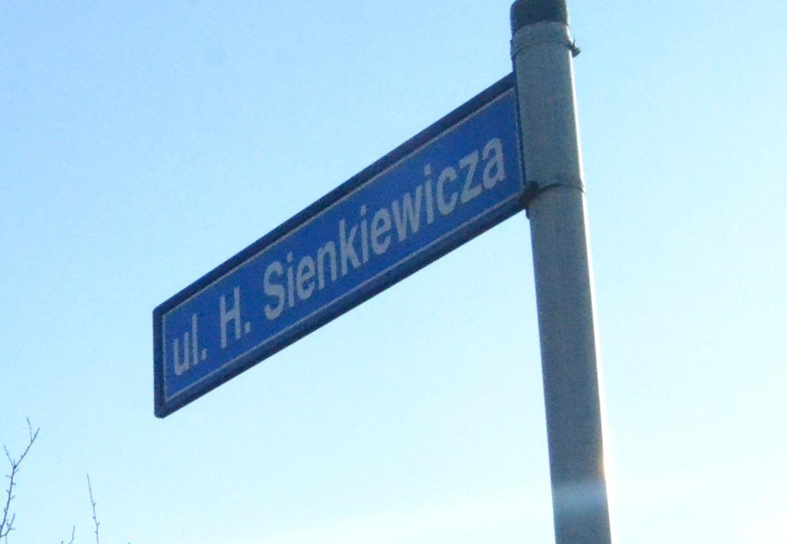 Gmina Pleszew. Przetarg rozstrzygnięty. Wkrótce ruszą prace remontowe na ul. Sienkiewicza w Kowalewie - Zdjęcie główne
