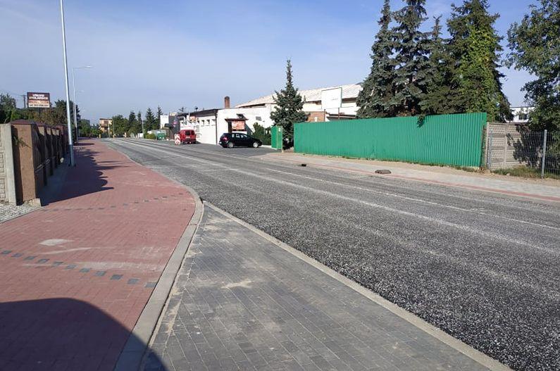 Ulica Poniatowskiego w Pleszewie ma już nowy asfalt [ZDJĘCIA] - Zdjęcie główne