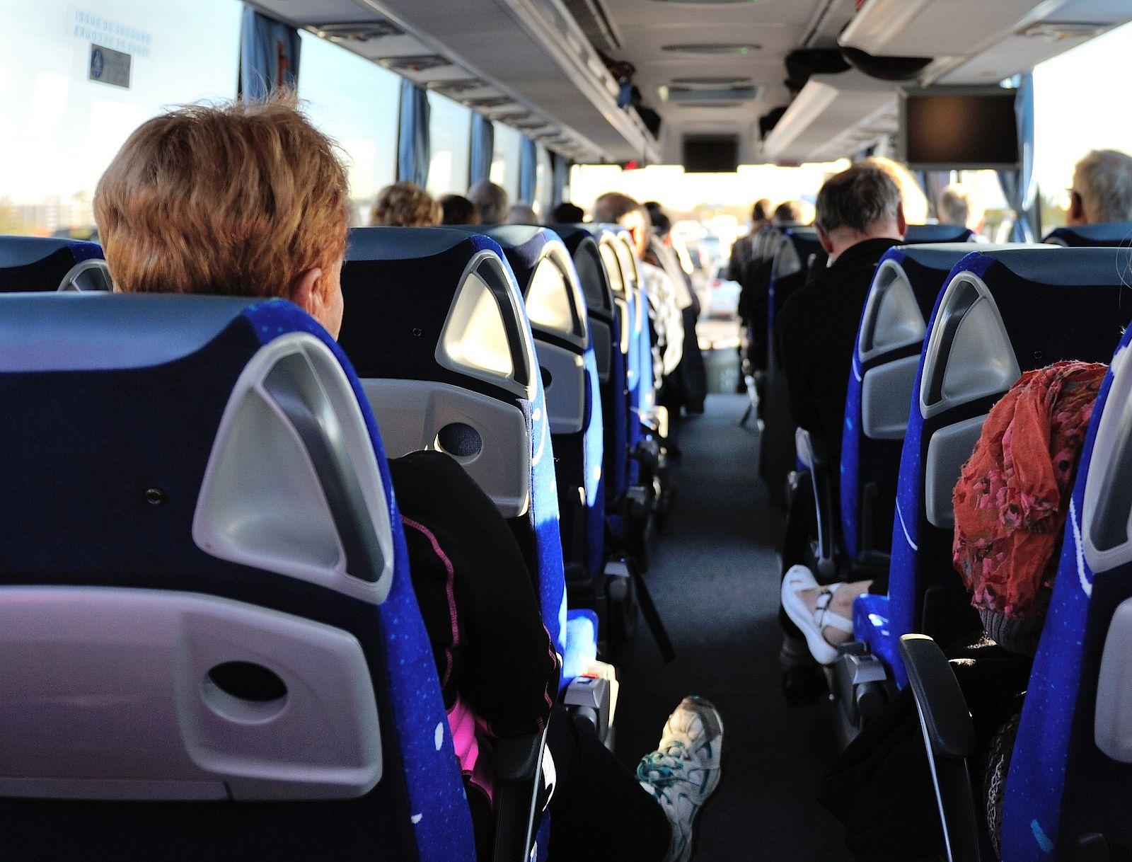 Gołuchów. Wycofali autobus do Kalisza. Rodzice oburzeni, interweniowała radna  - Zdjęcie główne