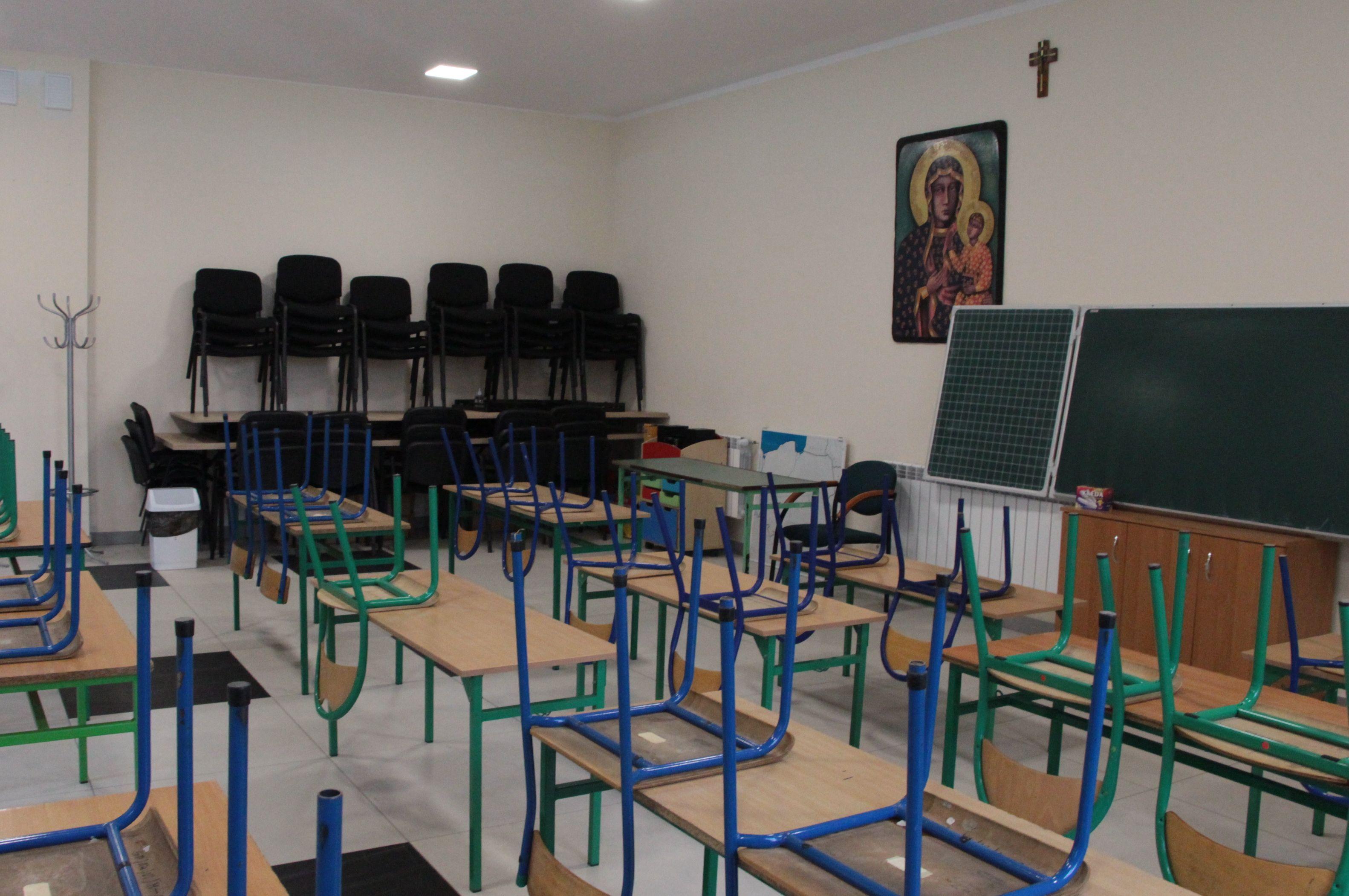 Lenartowice. Trwa wielki remont szkoły. Jak wygląda nauka? - Zdjęcie główne