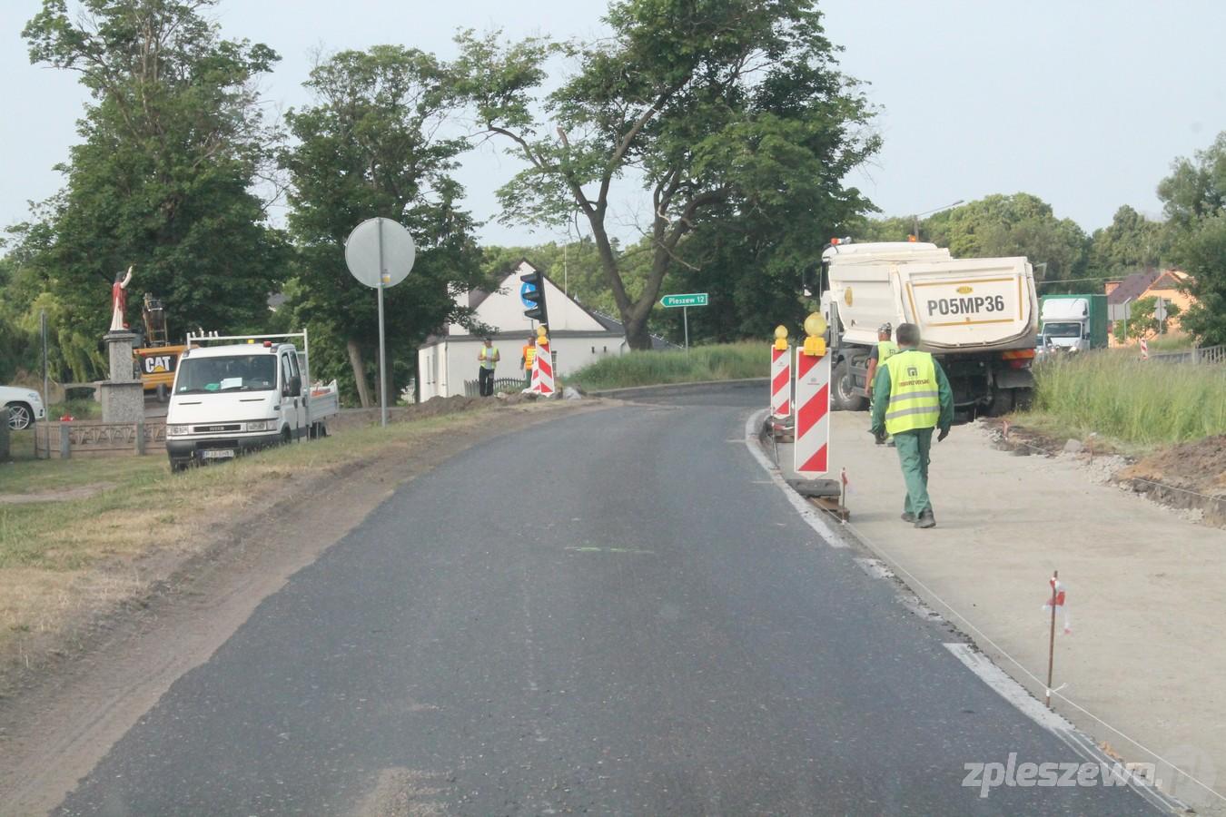 Gmina Czermin. Grab. Trwa drugi etap remontu drogi wojewódzkiej nr 443. Na trasie są utrudnienia - Zdjęcie główne