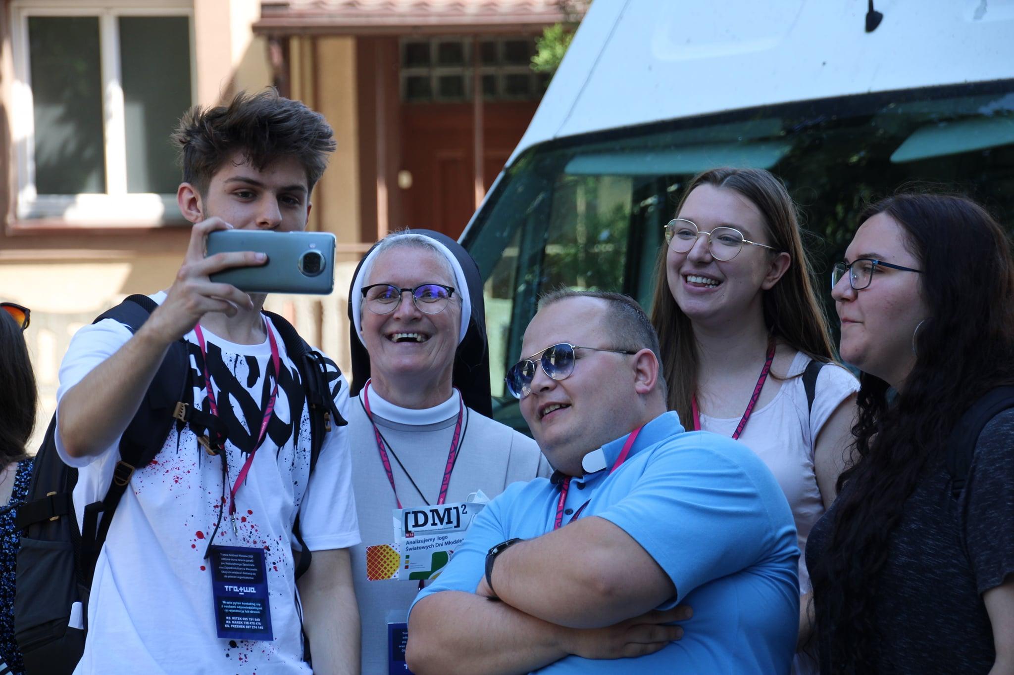 Tratwa Festiwal 2021. Młodzież z diecezji kaliskiej przyjechała do Pleszewa [ZDJĘCIA] - Zdjęcie główne
