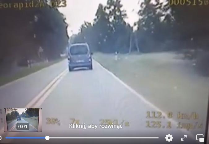 Szaleńcza jazda przez wieś. Policjanci nagrali kierowcę [WIDEO] - Zdjęcie główne