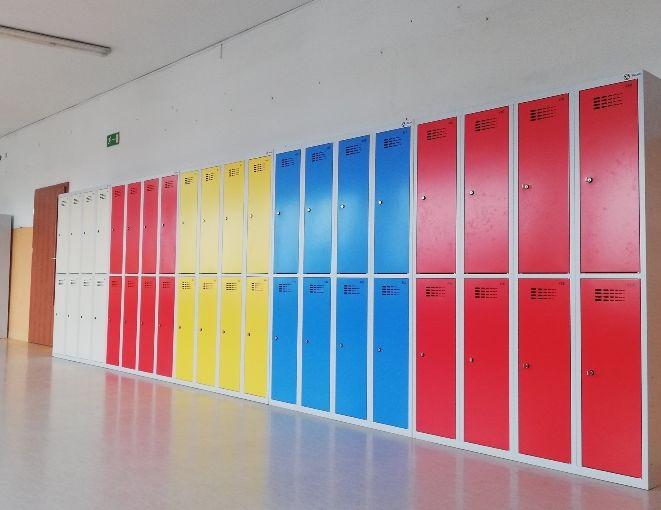 Pleszew. Dzieci będą miały swoje szafki w szkołach - Zdjęcie główne