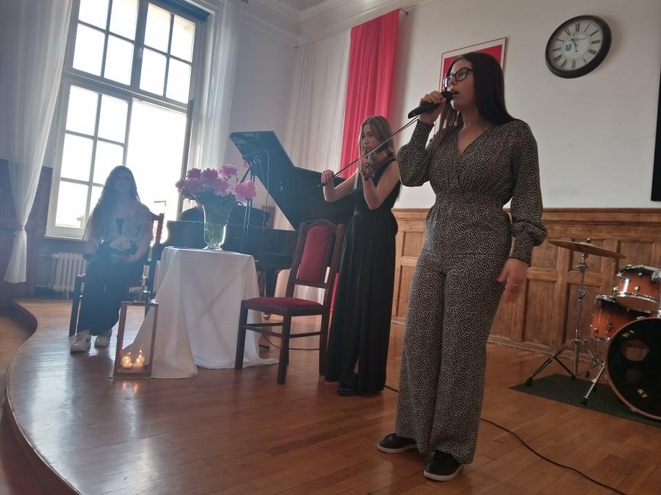 Pleszew. Koncert charytatywny dla Basi - uczennicy LO im. St. Staszica [ZDJĘCIA] - Zdjęcie główne