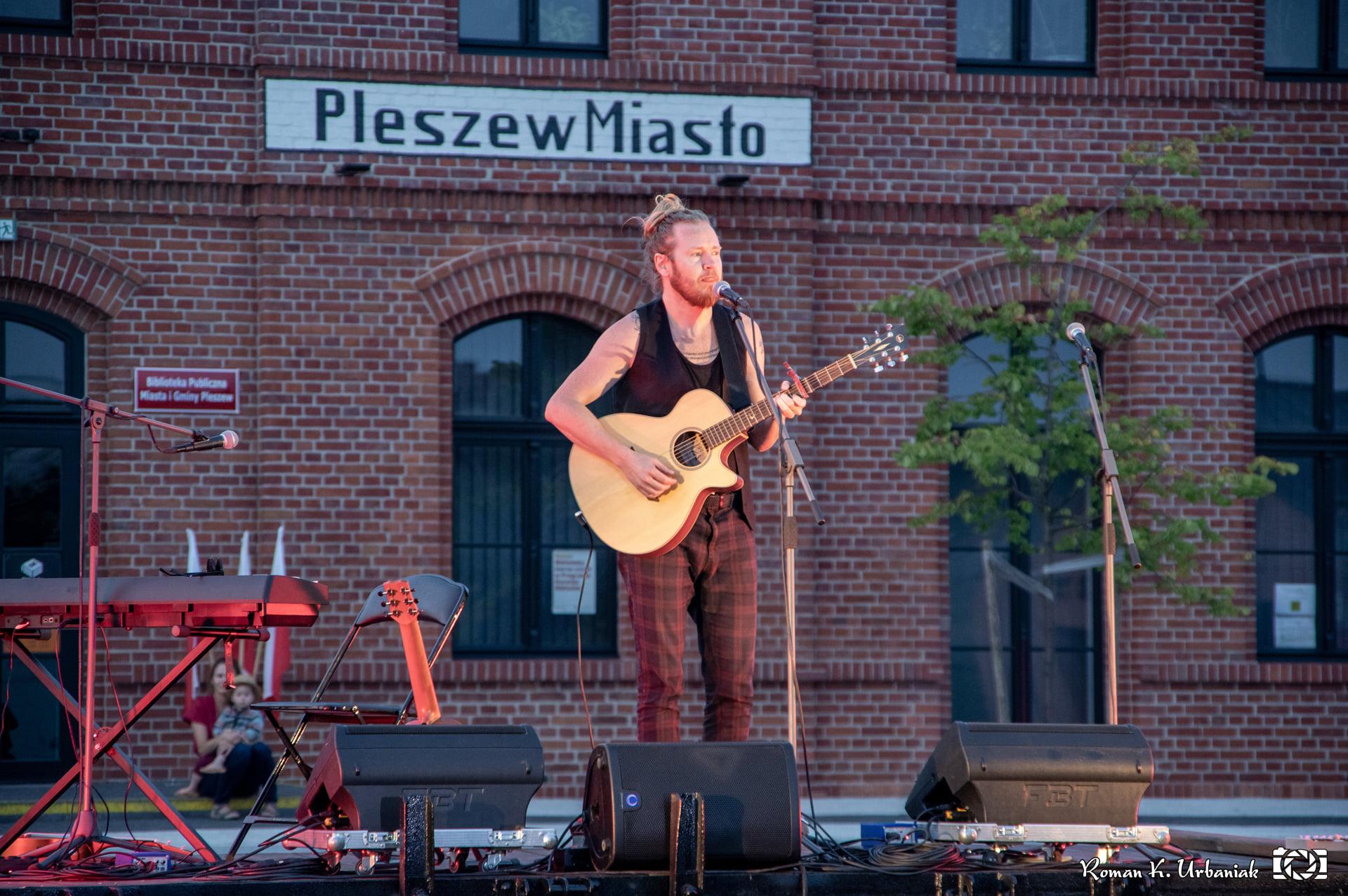 Ragnar Ólafsson wystąpił w Pleszewie [ZDJĘCIA] - Zdjęcie główne