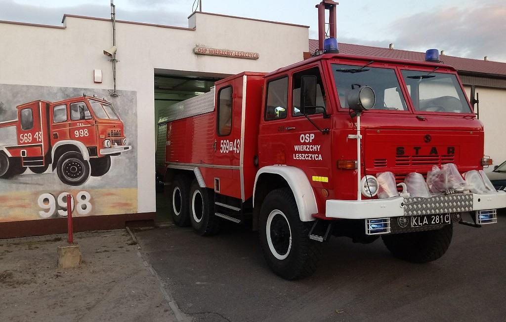 Gizałki. Wierzchy – Leszczyca  Wóz strażacki czy remonty dróg? Radni już wybrali - Zdjęcie główne