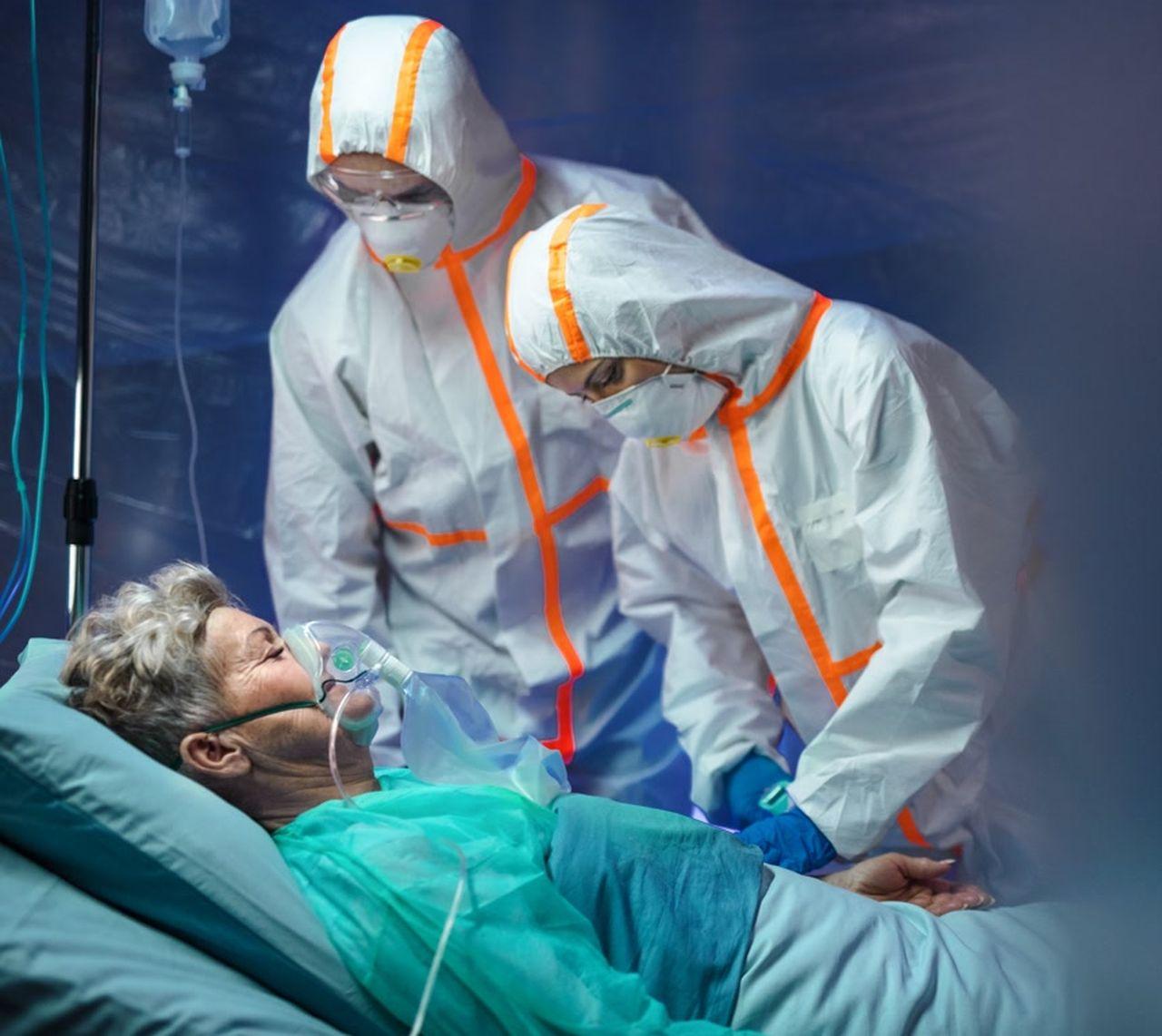 Wzrost zakażeń w kraju. Przybywa pacjentów  na oddziałach covidowych - Zdjęcie główne