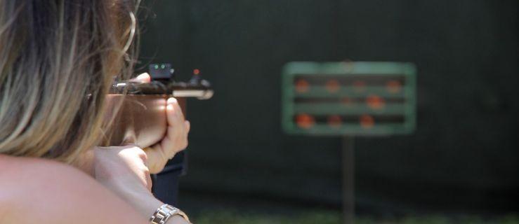 Podczas zawodów strzeleckich kule trafiały w okoliczne domy - Zdjęcie główne