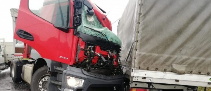 Karambol ciężarówek na DK 12. Droga zablokowana. Są objazdy  - Zdjęcie główne