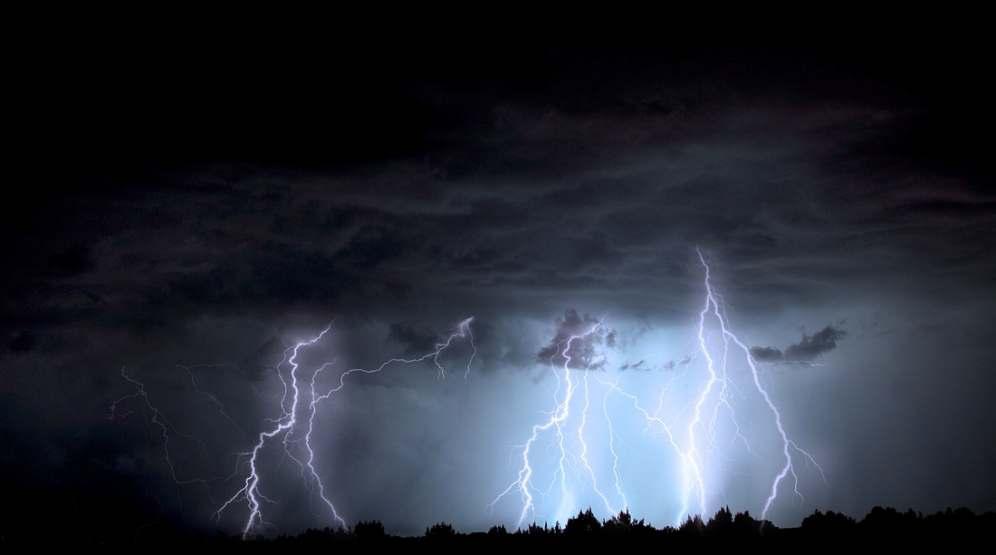 Synoptycy ostrzegają przed groźnymi burzami! Zobacz, gdzie i o której mogą wystąpić - Zdjęcie główne