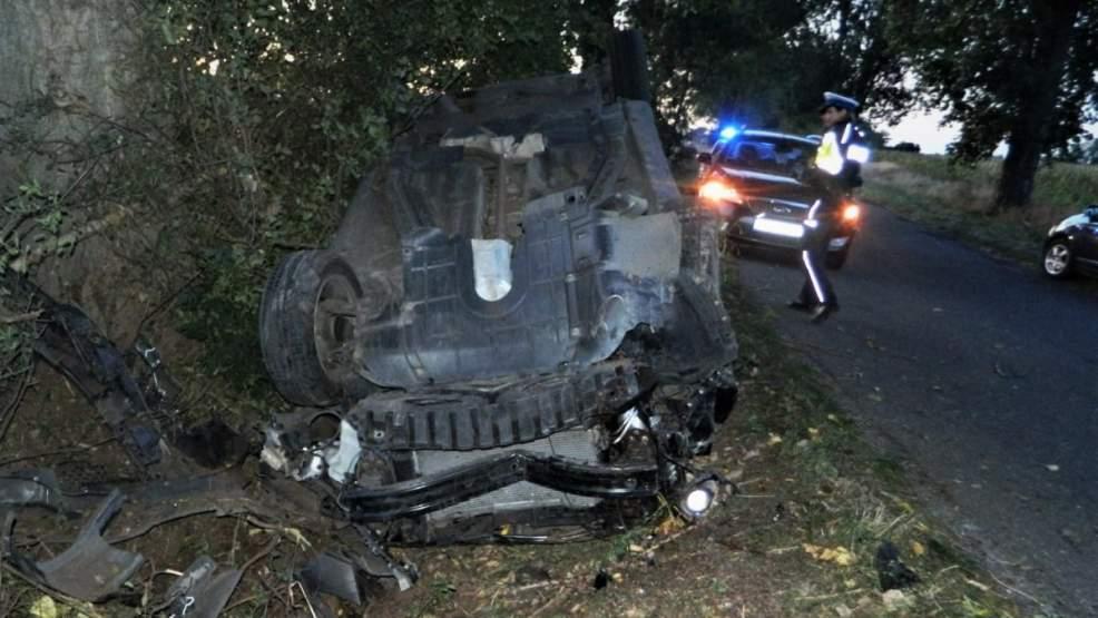 Pijana kobieta straciła panowanie nad samochodem. Doszło do dachowania - Zdjęcie główne