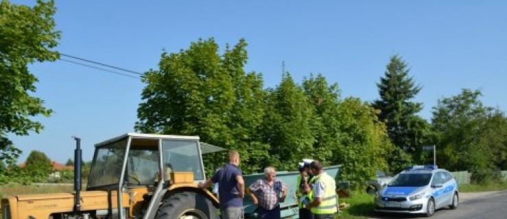 Wzmożone kontrole pojazdów rolniczych na drogach. - Zdjęcie główne