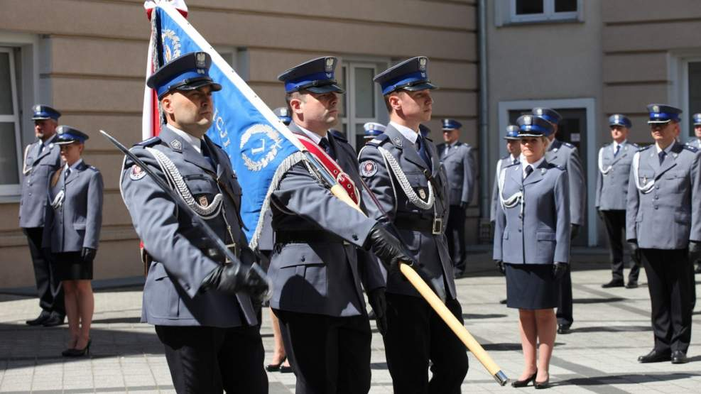 Wielkopolska policja zyskała 83 nowych oficerów [ZOBACZ ZDJĘCIA] - Zdjęcie główne