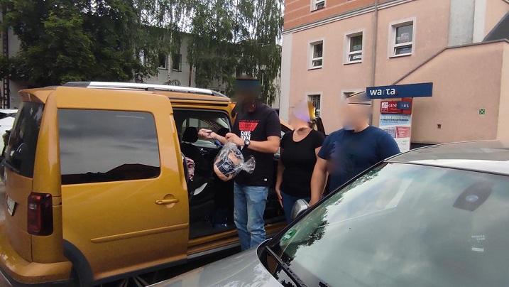 Błyskawiczna reakcja policjantów z Wągrowca. Reanimowali dziecko w radiowozie  - Zdjęcie główne