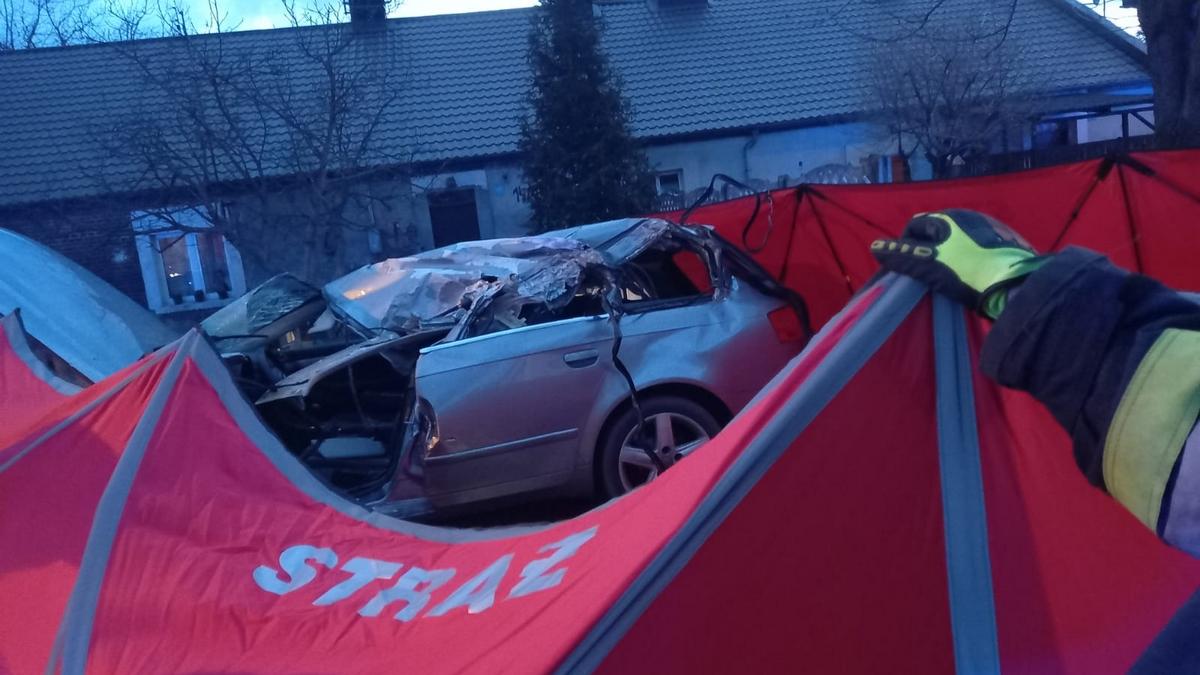 Wielkopolska. Tragiczny wypadek pod Wronkami. Nie żyje jedna osoba - Zdjęcie główne