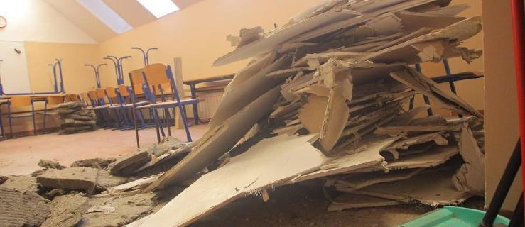 W szkole w Poznaniu zawalił się sufit - Zdjęcie główne