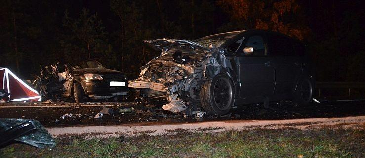 Śmiertelny wypadek w Celestynach. Zginęły 3 osoby [ZOBACZ WIDEO] - Zdjęcie główne