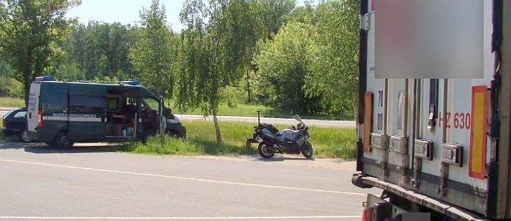 Inspektorzy na motocyklach zatrzymali niszczyciela dróg - Zdjęcie główne