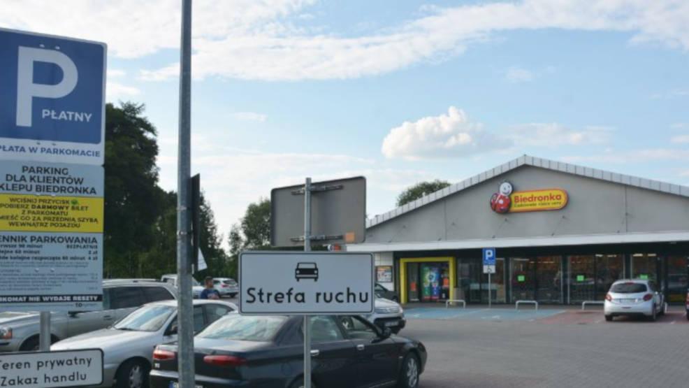 UOKiK nałożył karę na sieci handlowe. Przyczyną nieprawidłowe zasady działania parkingów  - Zdjęcie główne