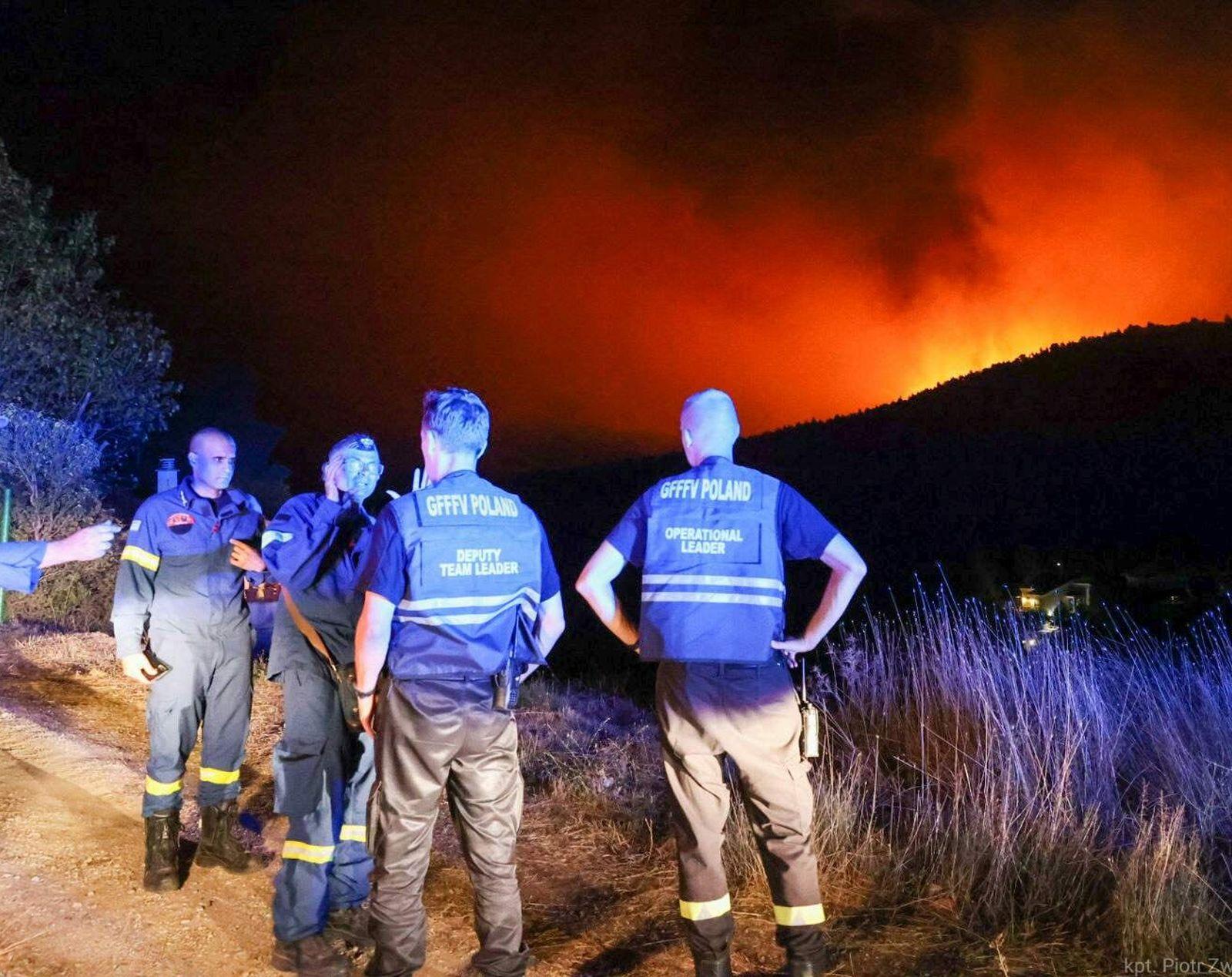 Strażacy z Wielkopolski zostają w Grecji. Ich misja została przedłużona - Zdjęcie główne