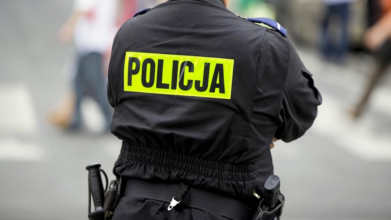 Policjanci uratowali kilkunastomiesięczne dziecko - Zdjęcie główne