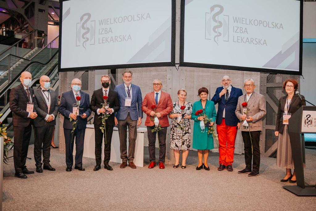 Medale i wyróżnienia dla zasłużonych lekarzy z Wielkopolski  - Zdjęcie główne