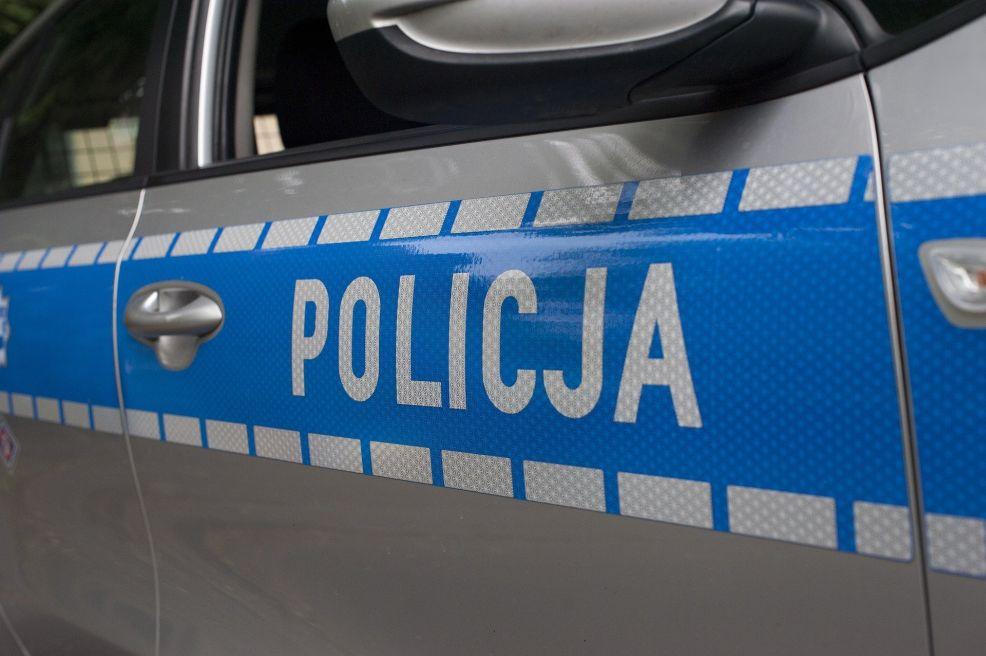 Wypadek w Zdziechowie. Zderzenie motocyklisty z samochodem osobowym - Zdjęcie główne
