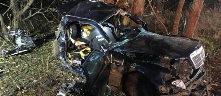 Zmarł 18 letni kierowca, który wczoraj uderzył w drzewo [WRACAMY DO TEMATU] - Zdjęcie główne