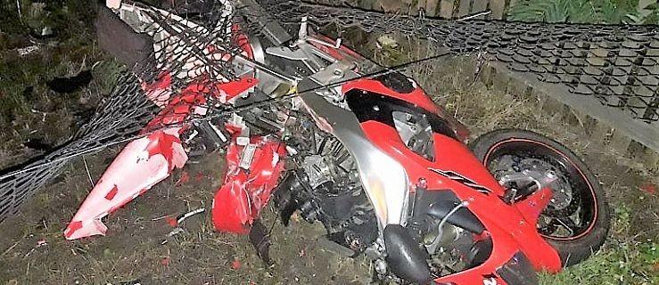 Nie żyje motocyklista. Nie dostosował prędkości do warunków na drodze  - Zdjęcie główne