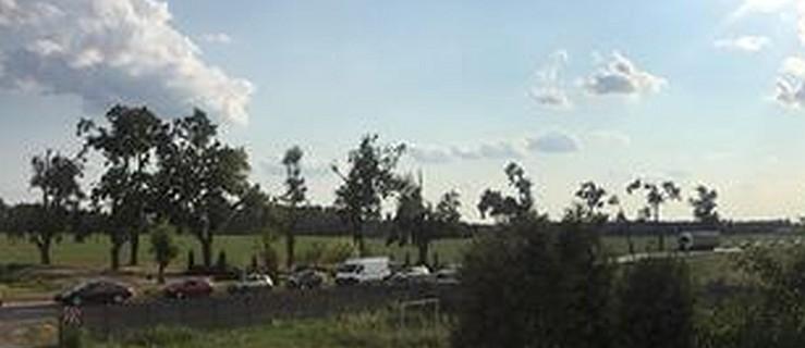 Kierowcy: Wypadek na DK11. Policja wyznaczyła objazdy  - Zdjęcie główne