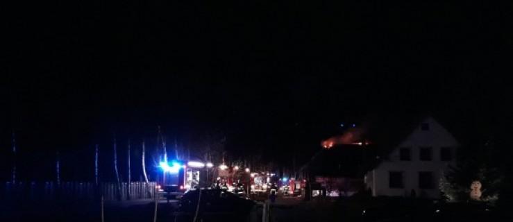 Sala weselna stanęła w płomieniach. Gaszenie trwało całą noc - Zdjęcie główne